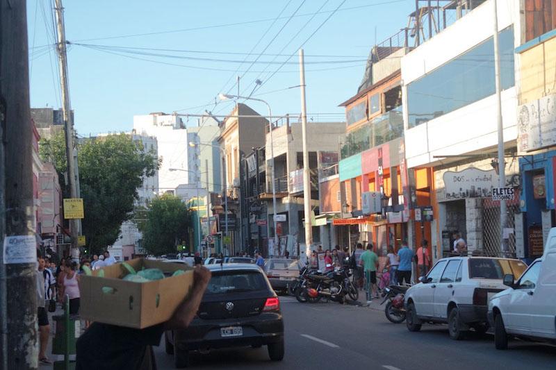 As ruas começam a ficar cheias no fim da tarde