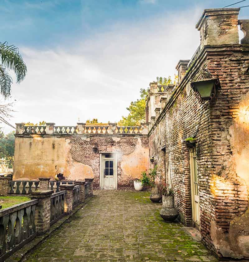 Campanópolis, cidade medieval a 30km de Buenos Aires